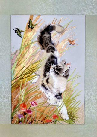 Вышивка шелком 52х76 «Котенок в траве» арт.В07